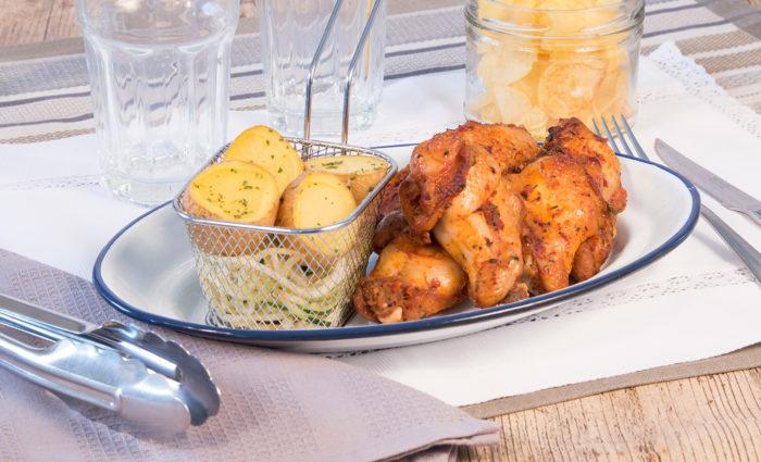 Alas de pollo barbacoa cocinado