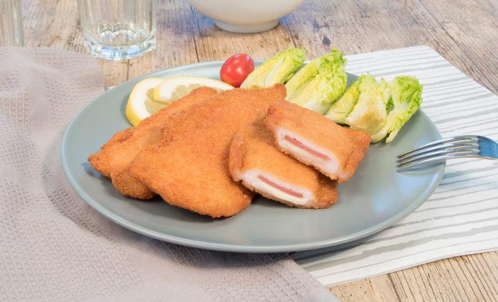Mini cachopo de pollo, jamón de pavo y queso fundido cocinadococinado