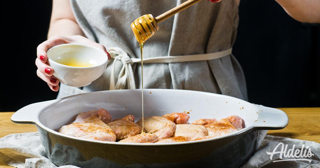 Pollo marinado con miel Aldelís