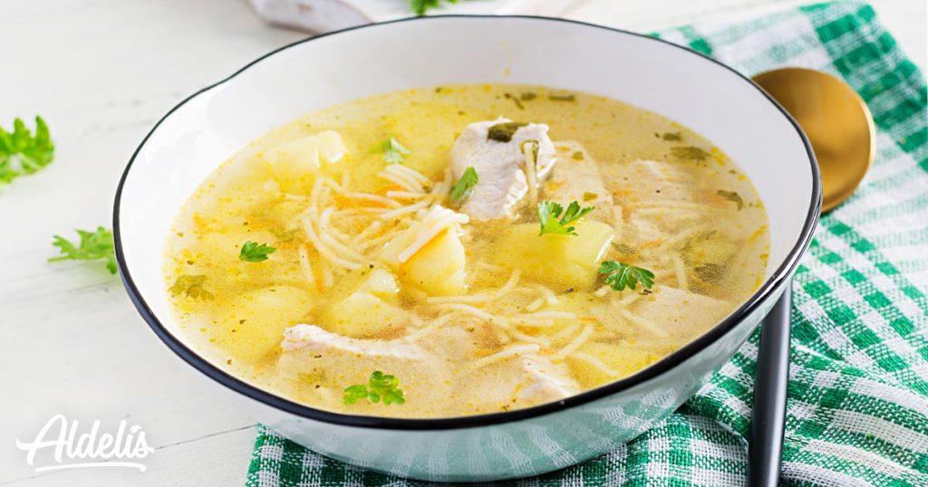 Sopa-pollo-fideos-Aldelís