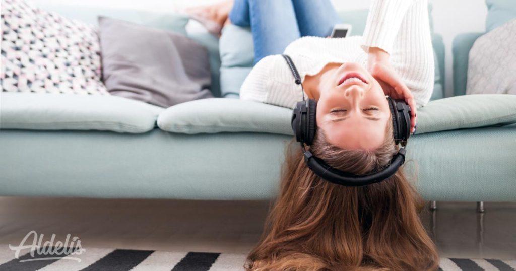escuchar-música-Aldelís